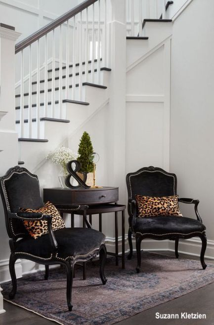 Foyer Furniture, What Furniture Goes In A Foyer