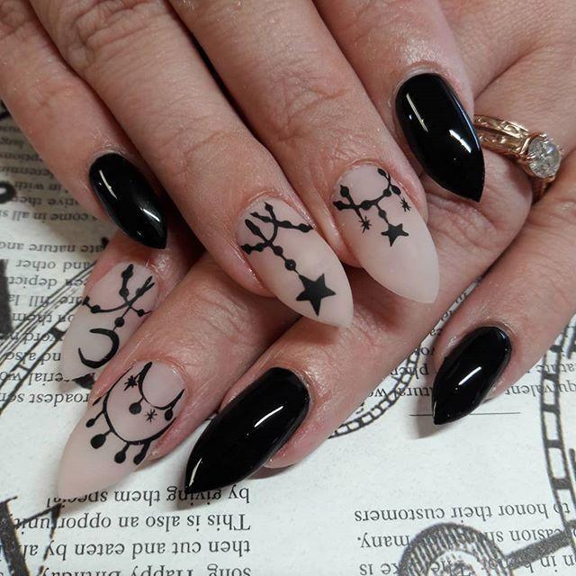 60+ Halloween Nail Art Ideas | Goth nails, Gothic nails ...