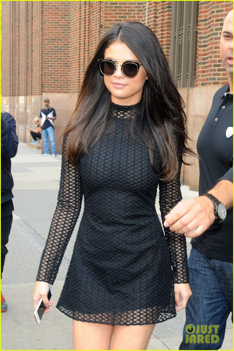 Selena Gomez Looks Super Hot In Sexy Sheer Top Photo