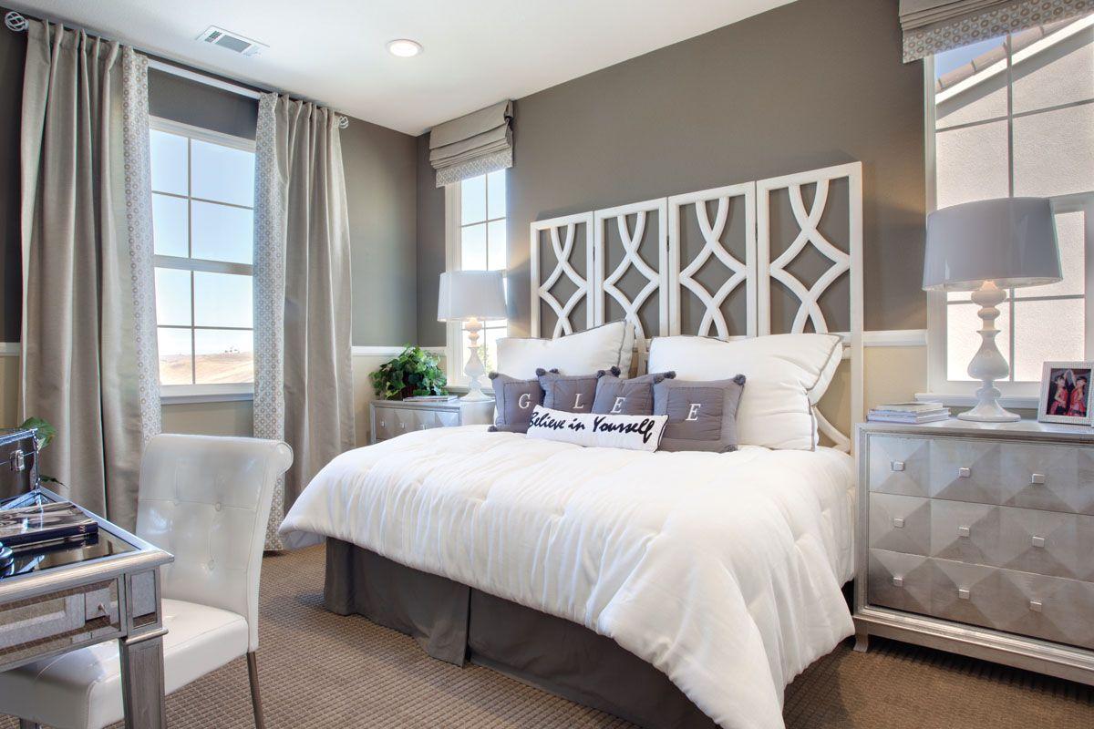 Chic Bed Room Decor