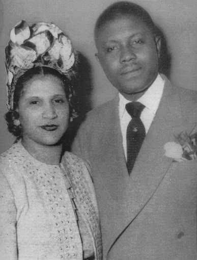 Photo of Aretha Franklin  & her Father  Barbara Siggers