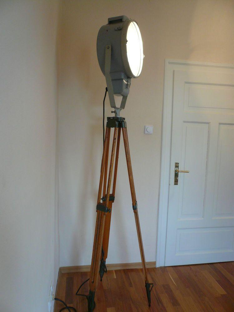 Stehle Filmscheinwerfer tripod industrie design le loft holz alt scheinwerfer retro aka