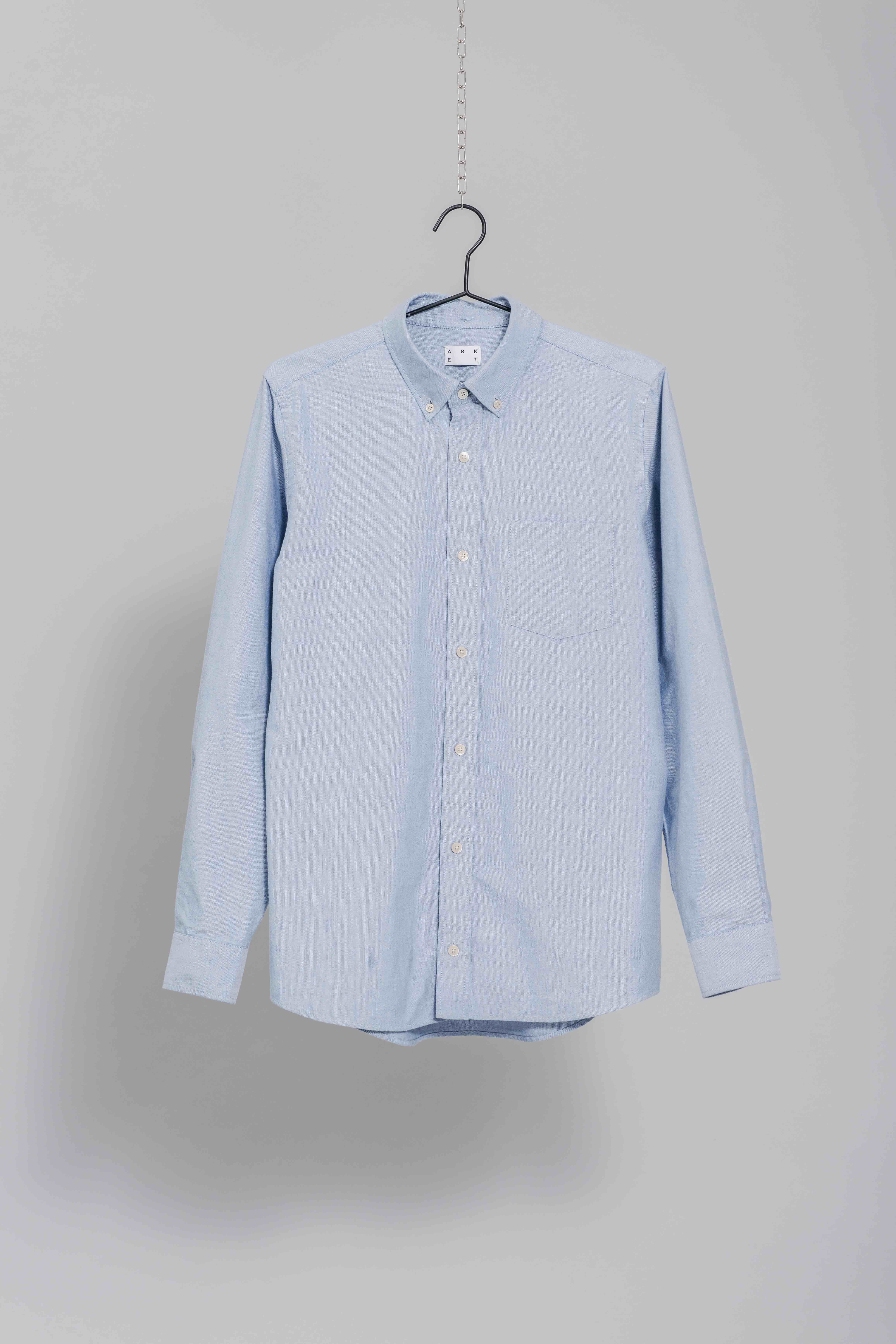 b079ba29f88 The ASKET Oxford Shirt in Blue