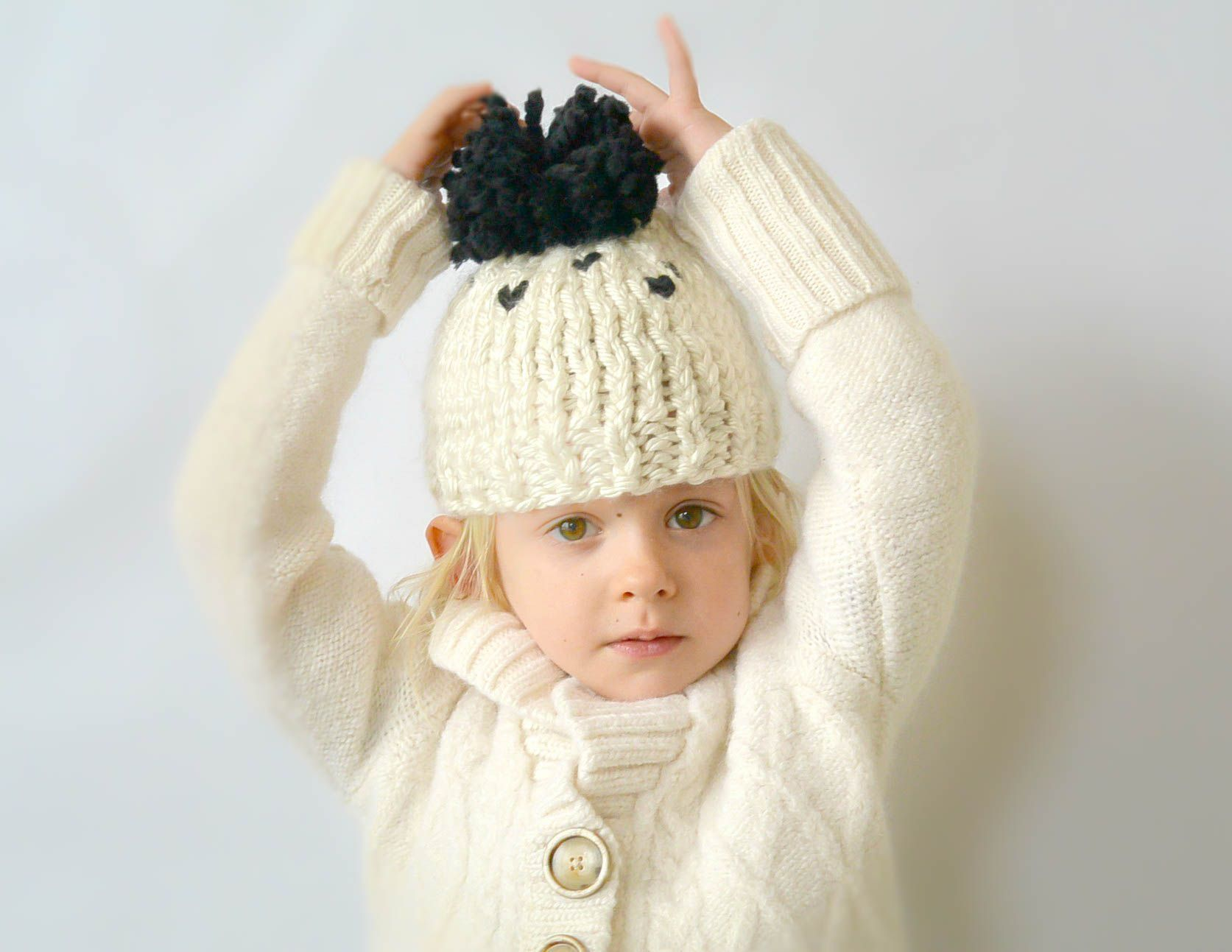 Everyday Chunky Knit Toddler Hat Pattern via @MamaInAStitch | Sharon ...