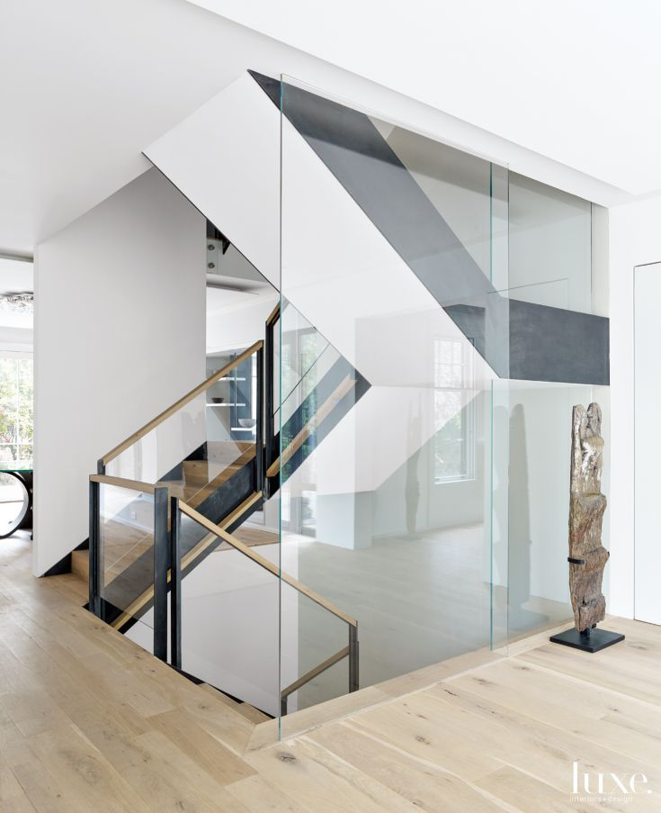 Best Thanks To The Glass Wall On One Side Of The Staircase It 400 x 300