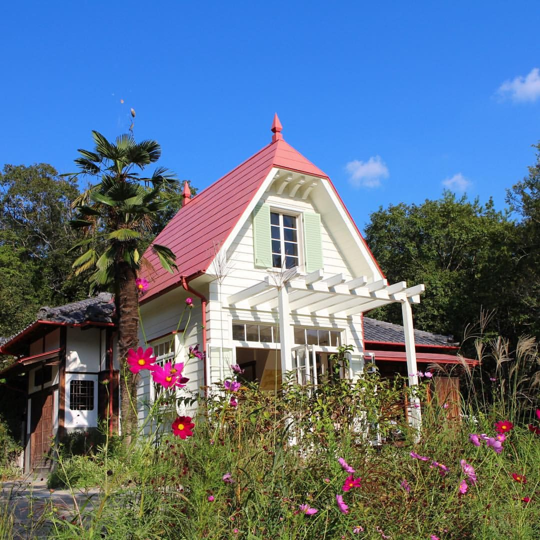 友田絢さんはinstagramを利用しています サツキとメイの家は本当にあったんや 感動 サツキとメイの家 ジブリ Ghibli トトロ Totoro 愛地球博記念公園 ジブリの大博覧会 サツキとメイの家 家 家 外観