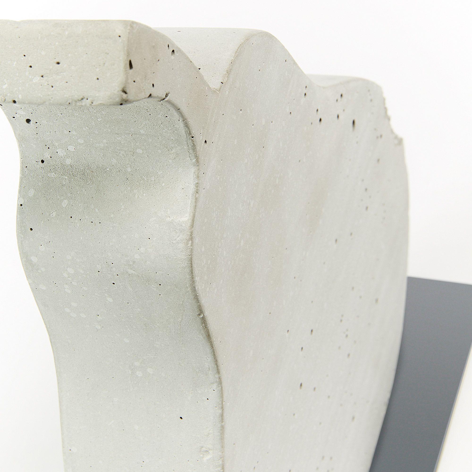 Kave Home Figura Decorativa Szar Pera En Cemento Blanco