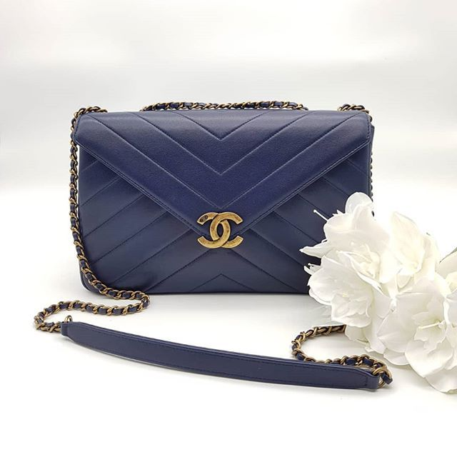 4200 wire. Preloved Chanel Chevron Coco Envelope Flap