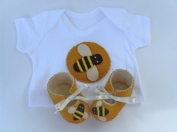 Bumble Bee Unisex ECO Baby Gift Set baby Booties and Onesie Bodysuit by funkyshapes, $40.95
