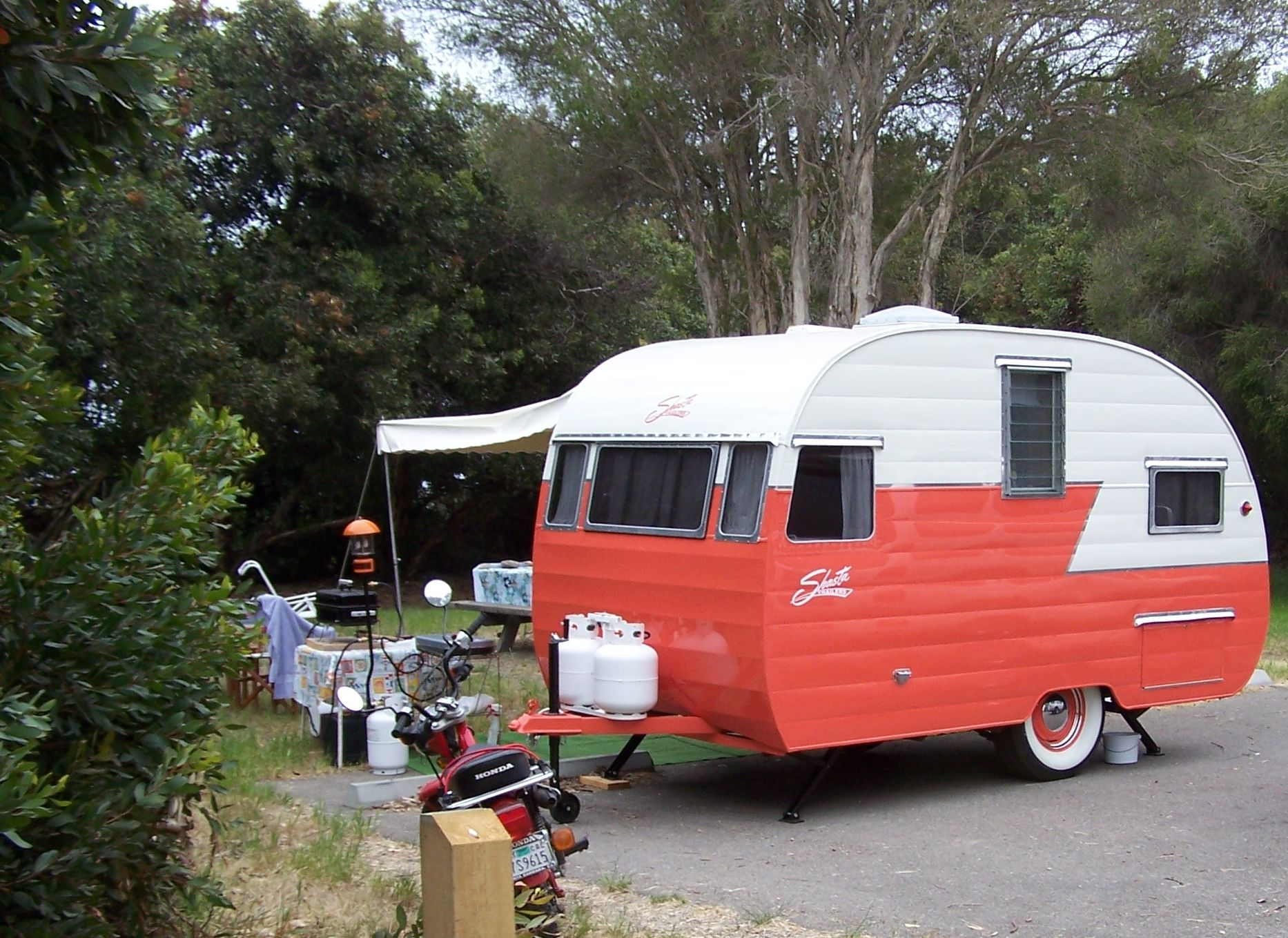 Camping trailers small camping trailers camping for Tiny camping trailers