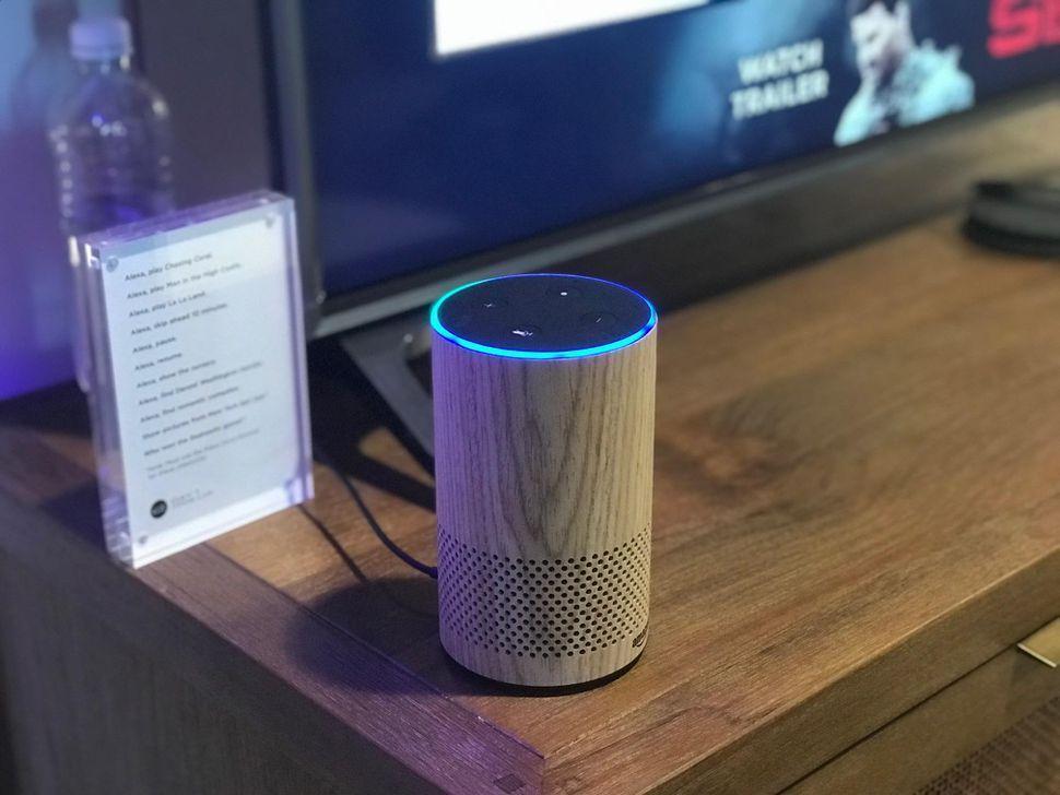 英国の警察が、アマゾンの音声アシスタント「Alexa」を犯罪対策に活用することを検討している。