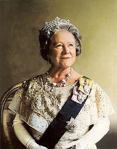 Royal Family Order Of Queen Elizabeth Ii Queen Mother Queen Mum Queen Elizabeth