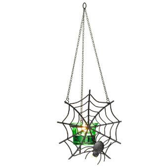A spiderweb you'll want guests to see! Perch the magnetic