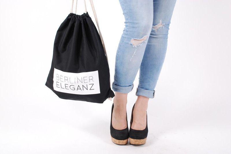 Turnbeutel BERLINER ELEGANZ schwarz von lazy day fashion auf DaWanda.com
