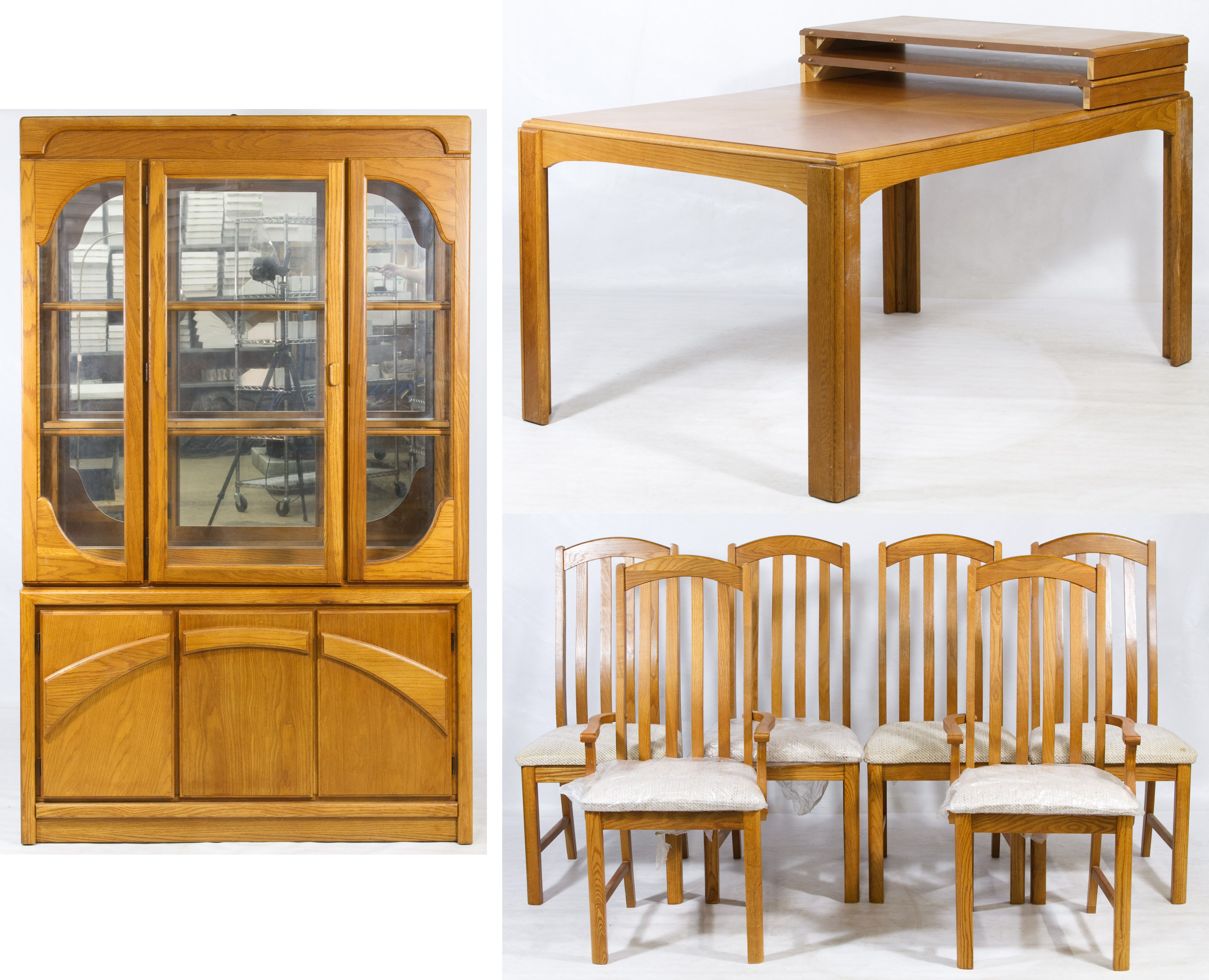 Lot 81 Oak Dining Room Set Table With Two Leaves Six Chairs And
