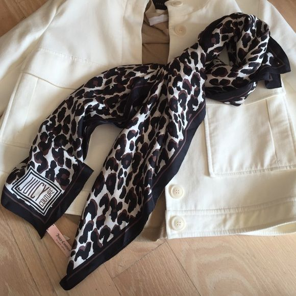 Juicy Couture leopard scarf Beautiful leopard scarf 100% silk! Only worn once in great condition! Add a little bit of edge and spunk to your everyday outfit with this scarf! Can be used in the day and at night Juicy Couture Accessories Scarves & Wraps