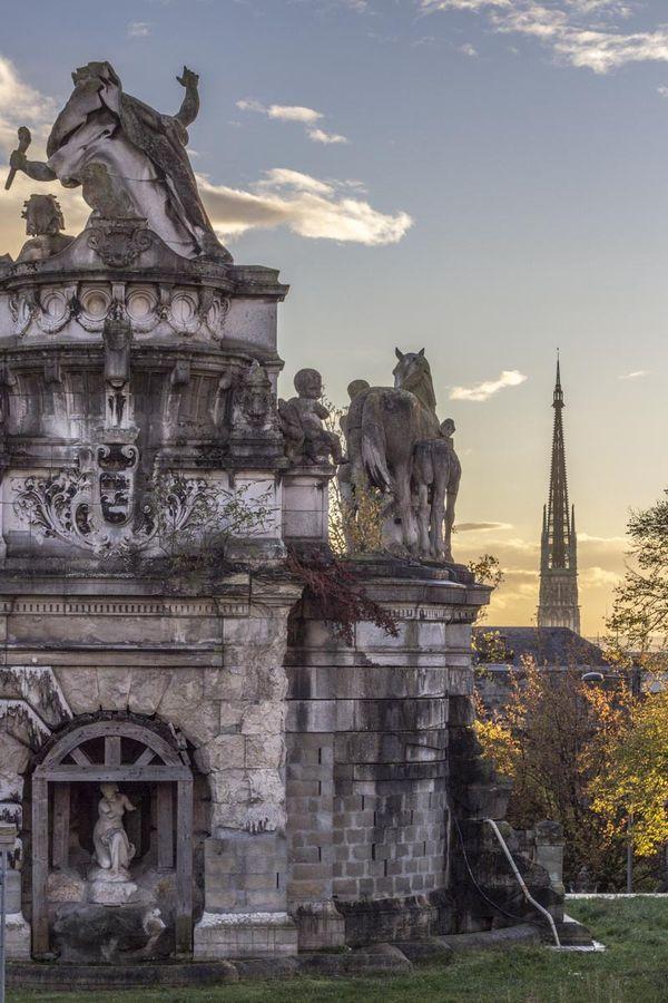 Fontaine Sainte Marie Vue De La Cathedrale De Rouen Vue De