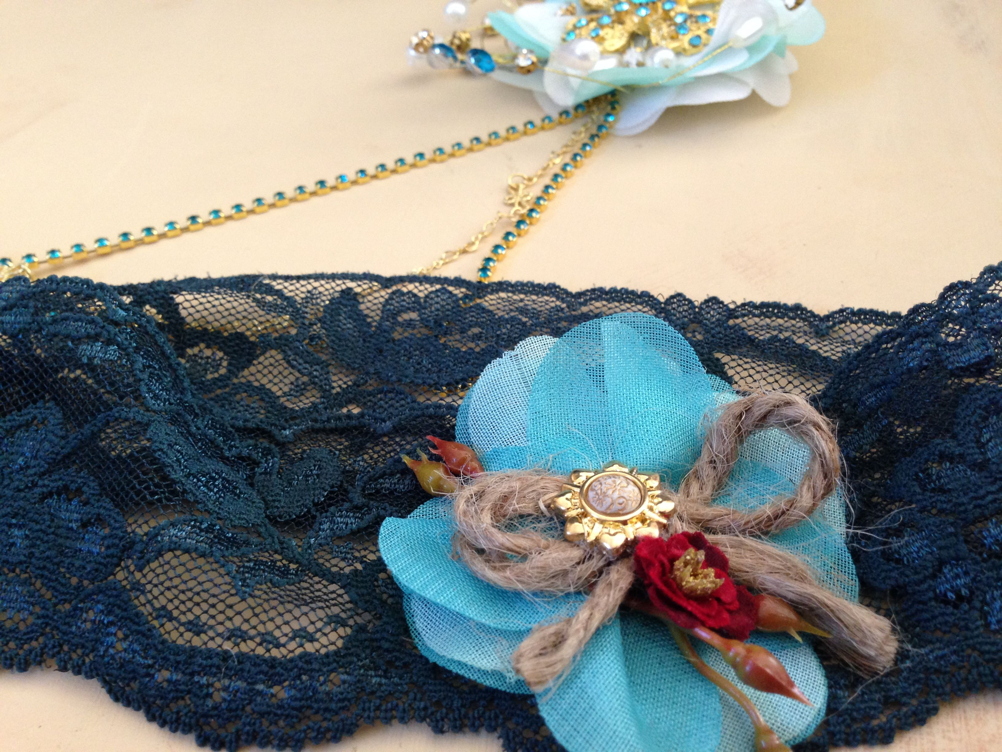 My gift to the bride... I know Savannah didn't order a garter but I found the perfect dark teal lace and I just had to make one for her.