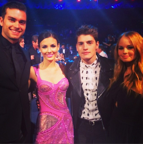 Pierson Fode, Victoria Justice, Gregg Sulkin, and Debby Ryan at the #MTVMovieAwards