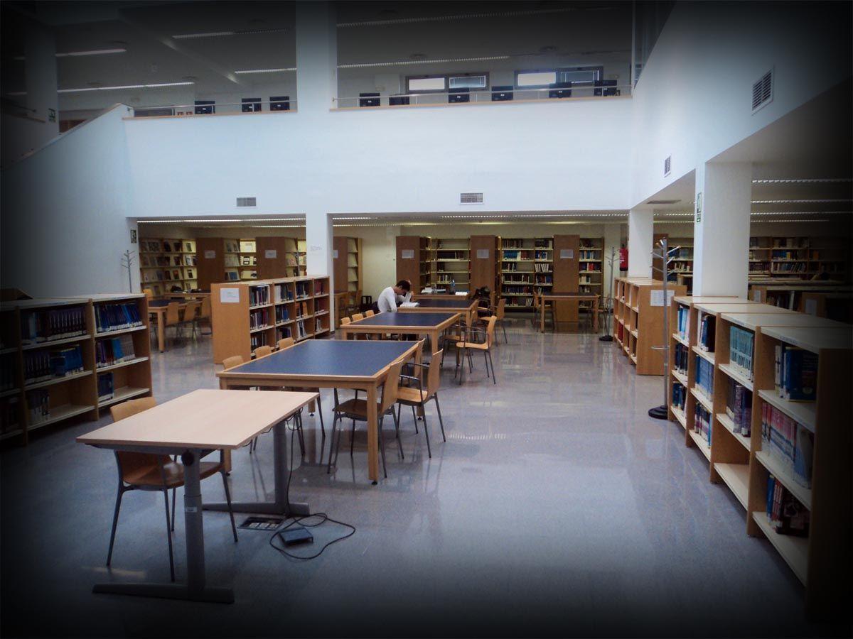 Biblioteca de la Facultad de Medicina de Albacete | Espacios ...