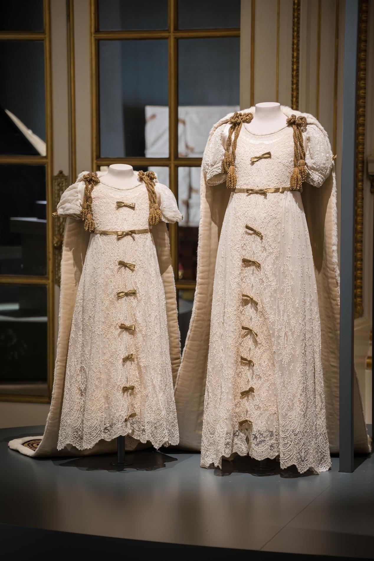 524f20adcdba1 Elizabeth II casse le dress code royal pour la première fois depuis ...
