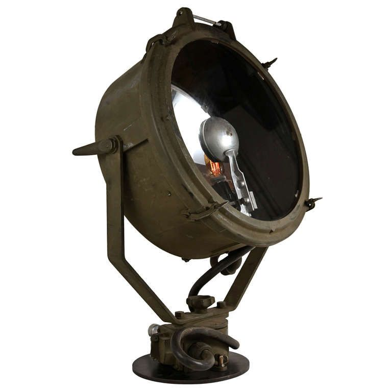 1943 Wwii Crouse Hinds Military Searchlight In 2019