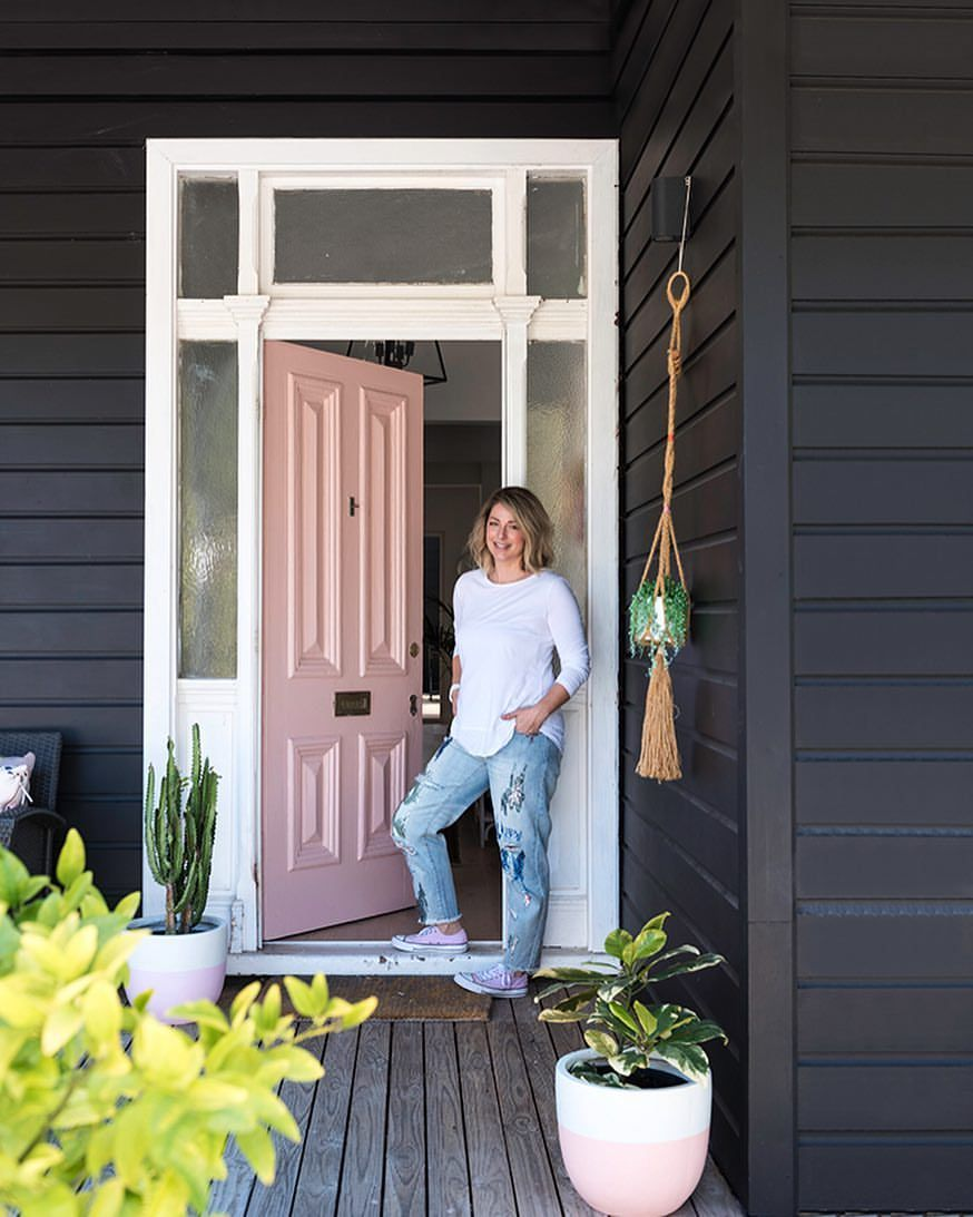 The Very Gorgeous Andrea At Her Gorgeous Pink Door Thanks For Letting Us All In To See The Beautif Gray House Exterior House And Home Magazine Character Home