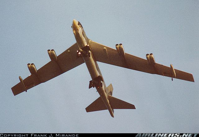 Boeing B-52G Stratofortress aircraft picture