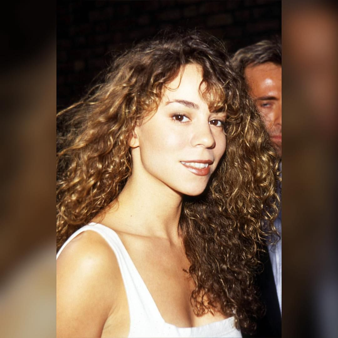 """28 Likes, 1 Comments - Mariah Carey  (@mariah_carey1990) on Instagram: """"Might make this my new profile what do you think ?? #mariahcarey #queen #90s @mariahcarey ❤️❤️"""""""