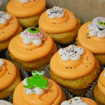 Halloween cupcakes by Cake & All Things Yummy in Kernersville, NC