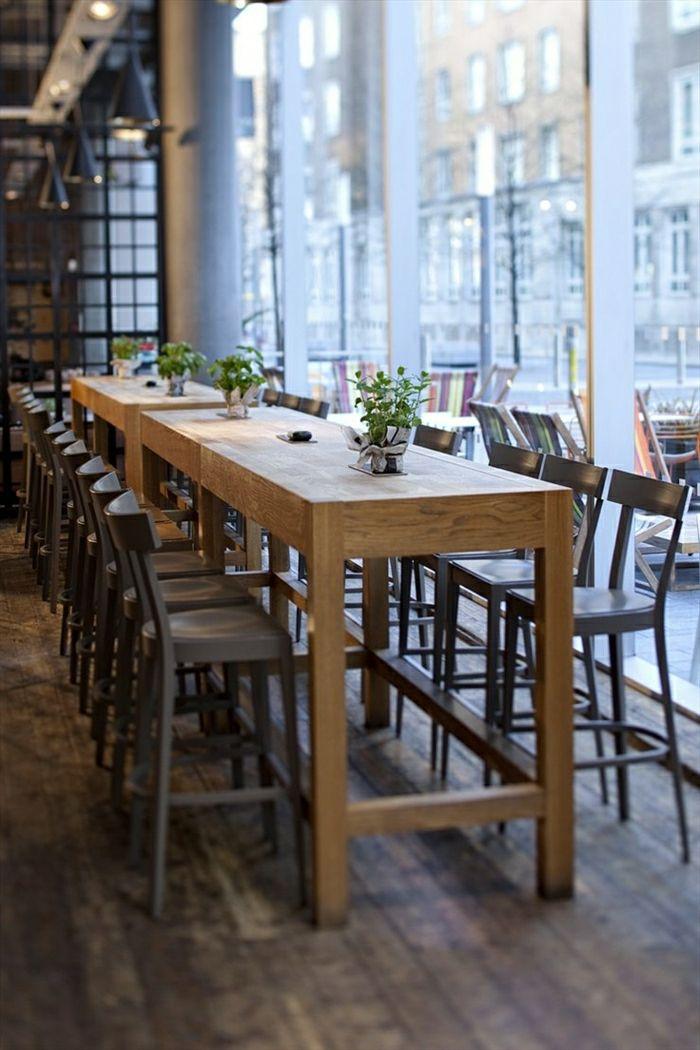 table en bois dcoration avec plante verte pour la table de cuisine fenetre grande - Table Haute De Cuisine