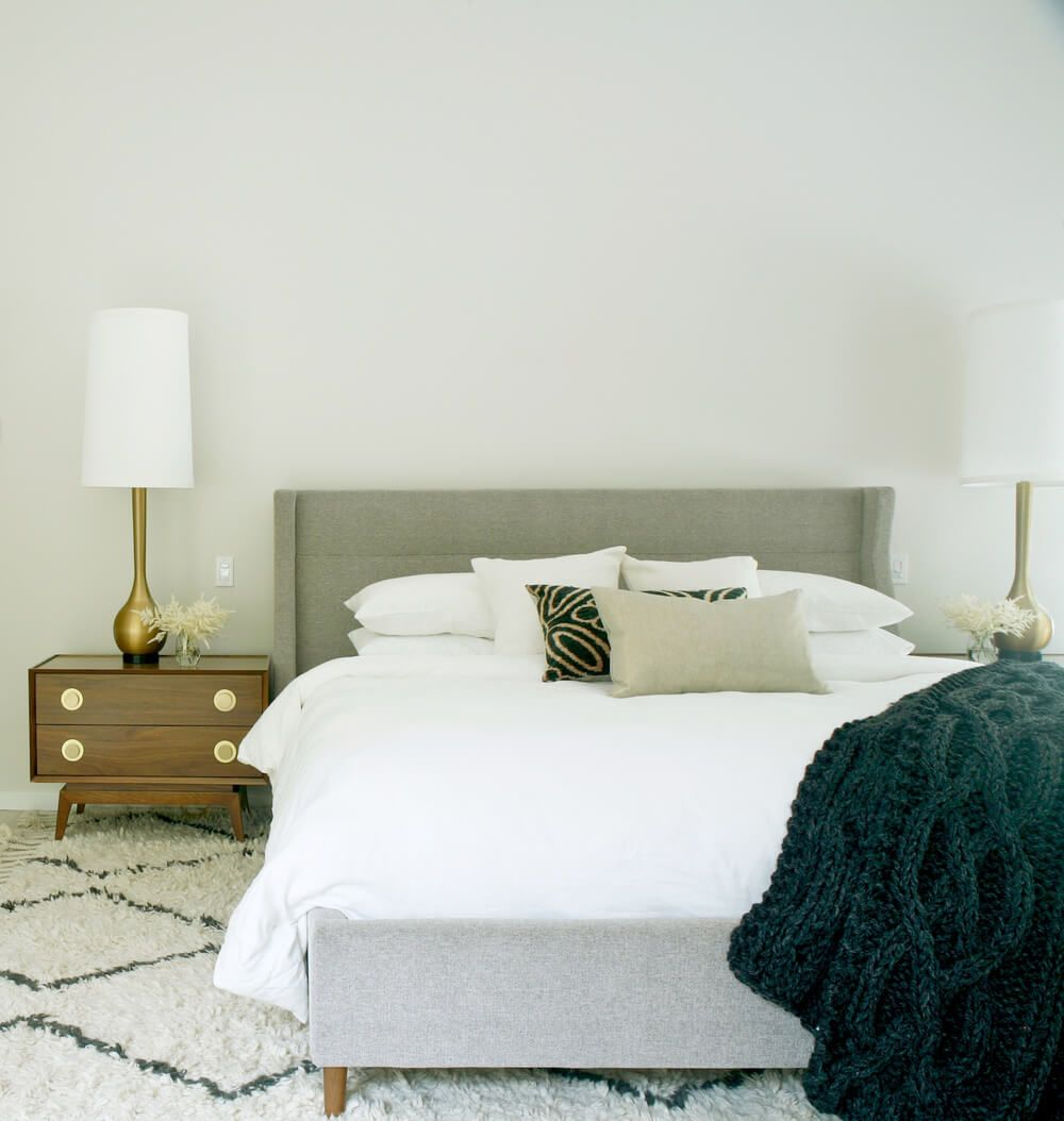 Modern bedroom decor - Ishka Designs
