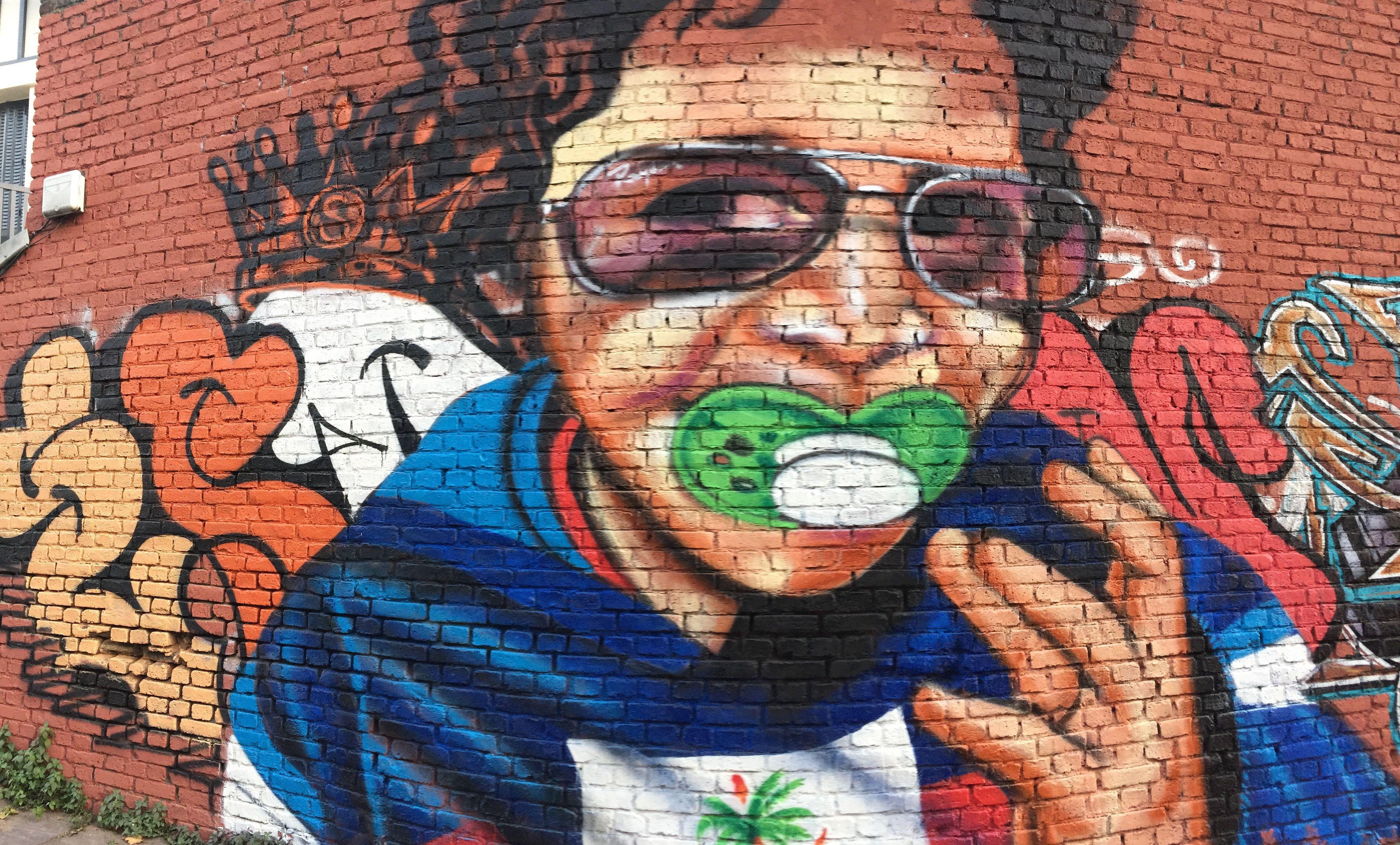 By @espion_graff #ghettoprod #espiongraff #espion  #streetart #graff #graffiti #bombing