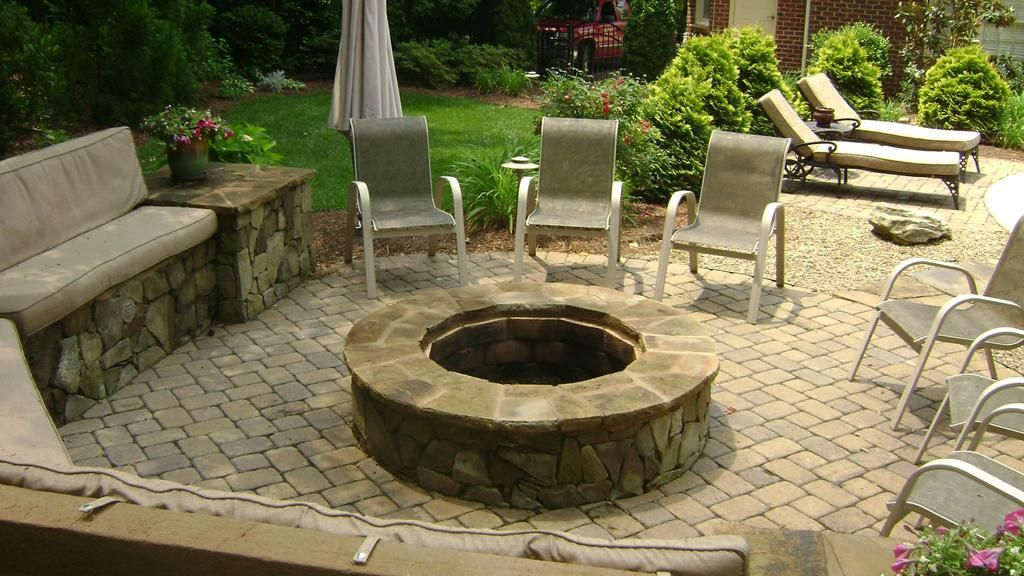 Paver Patio With Fire Pit Design Ideas How To Build A Stone Outdoor Patio Description From Alfapl Fire Pit Landscaping Outdoor Fire Outdoor Fire Pit Designs