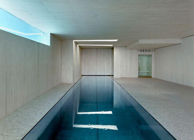 borda da piscina