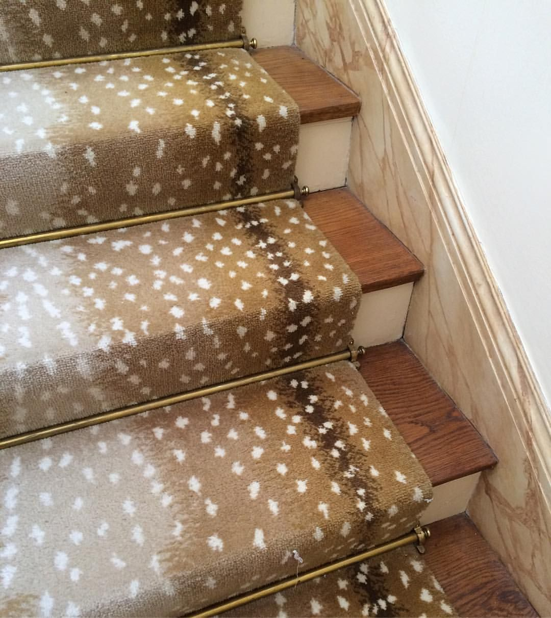 This Stair Runner Installed In The Late Still Looks Chic Today I Carpet On A Boat And Its Impervious To Wine Dogs General Fun