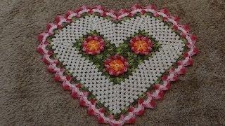 almofada coração de croche - YouTube