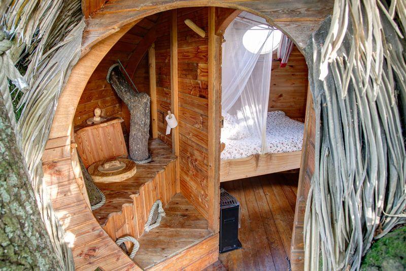 cabane dans les arbres 7 me ciel la plus haute du domaine des ormes 19 m tres pour 2. Black Bedroom Furniture Sets. Home Design Ideas