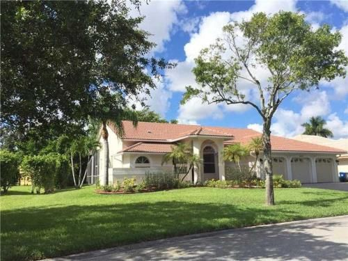 10402 Nw 51st Street Coral Springs Fl 33076 Is For Sale Hotpads Coral Springs Pompano Beach House Styles