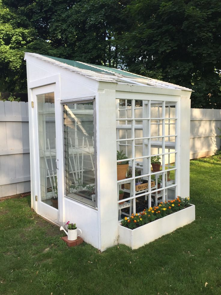 Do It Yourself Home Design: Greenhouse Made From Old Windows. Easy To Do.