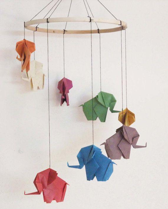 Mobile avec #éléphant en #origami / #déco / #bébé / #chambre ...