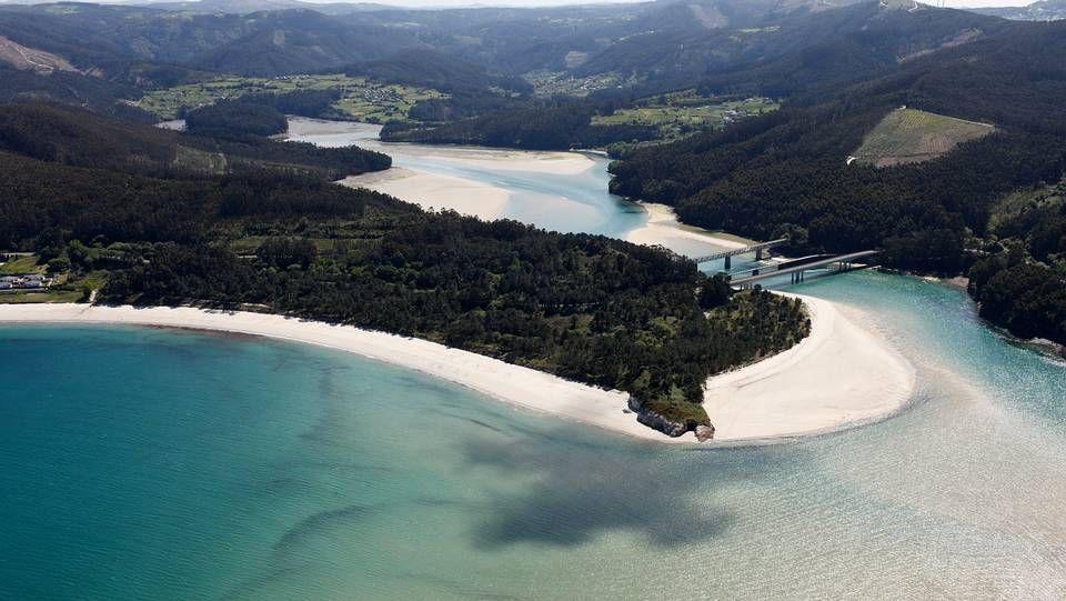 Las 15 Playas Gallegas Para Disfrutar Del Puente Galicia Turismo Playas Paradisiacas Lugares De España