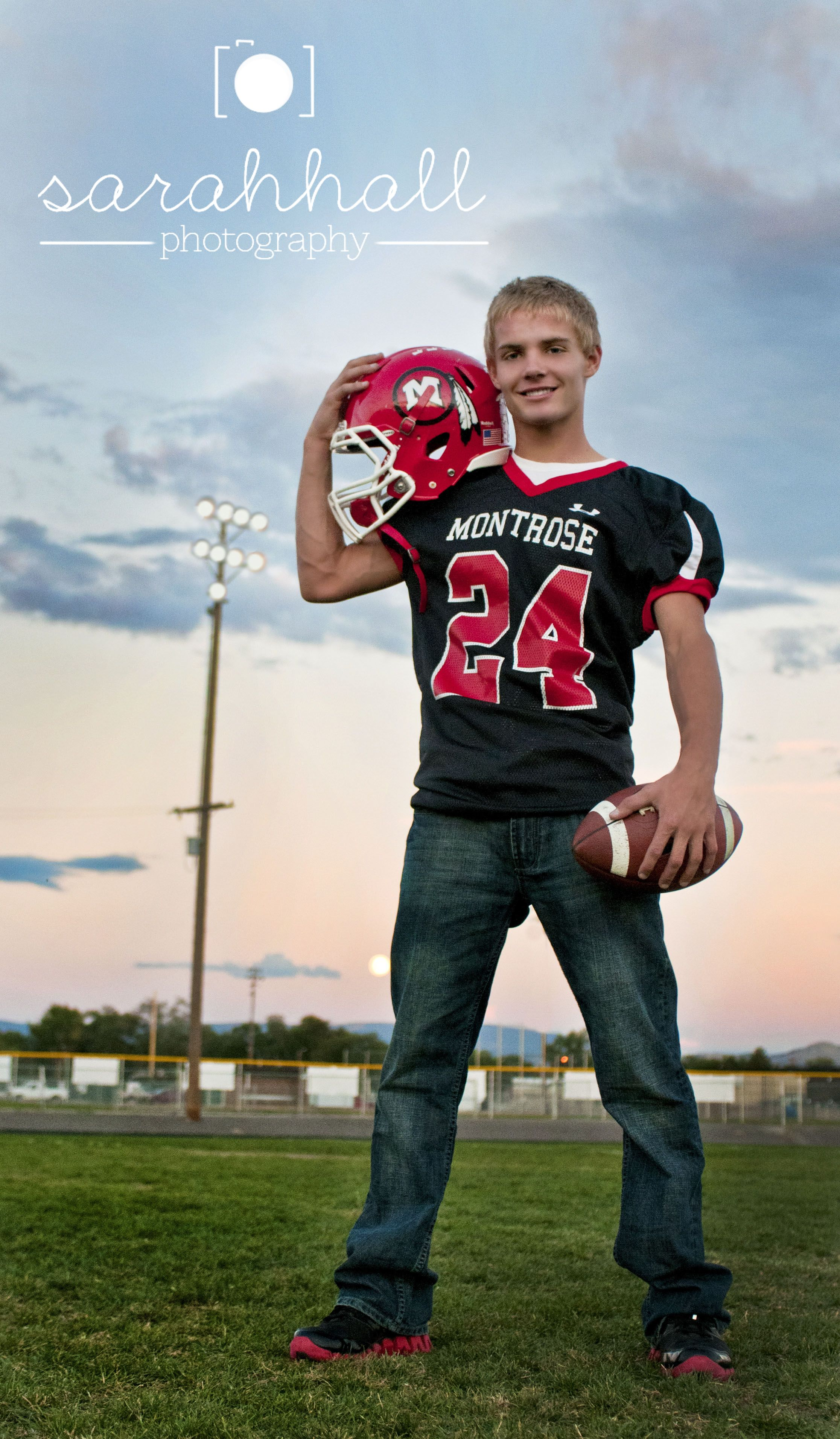 Pin by Nickie Vice on Football Pictures | Football senior ...