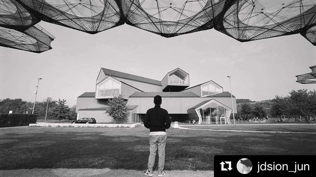 Another Global Engagement Studio #repost from MVCD student @jdsion_jun standing under Achim Menges' Elytra Filament Pavilion looking over at Herzog & de Meuron's VitraHaus  #vitramuseum #asudesigntravels #globalengagementstudios