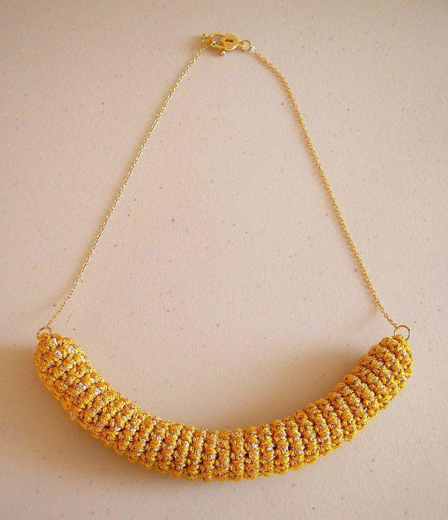 FREE pattern for a crochet tube necklace/ Patrón GRATIS para un ...