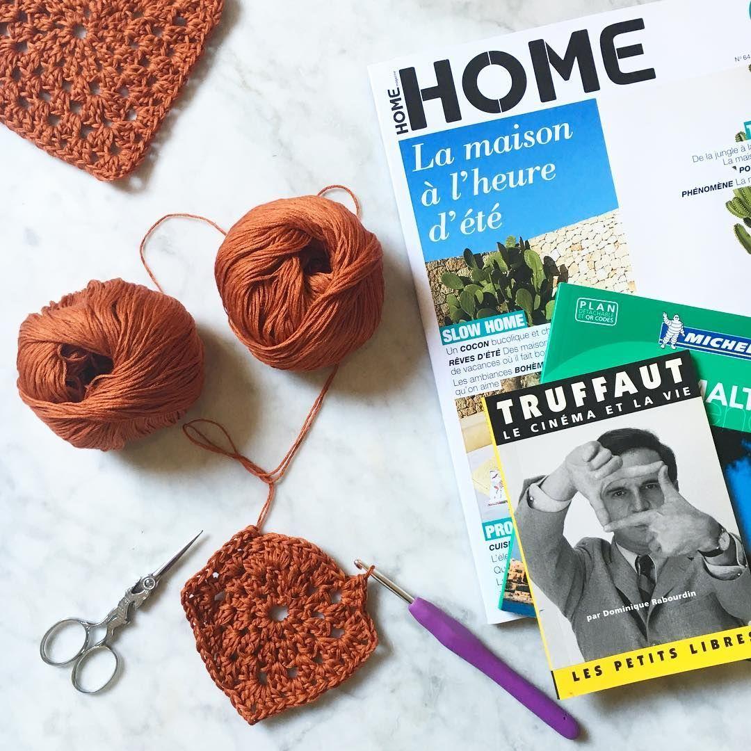 Vacances J-2 ! J'ai hâte ! 😎🌴 Première étape : Malte #vacances #Malte #malta #homemagazine #truffaut #book #livre #crochet #fonty #grannysquare #mademoisellequincampoix #diy #handmade #crochetaddict #crochetersofinstagram