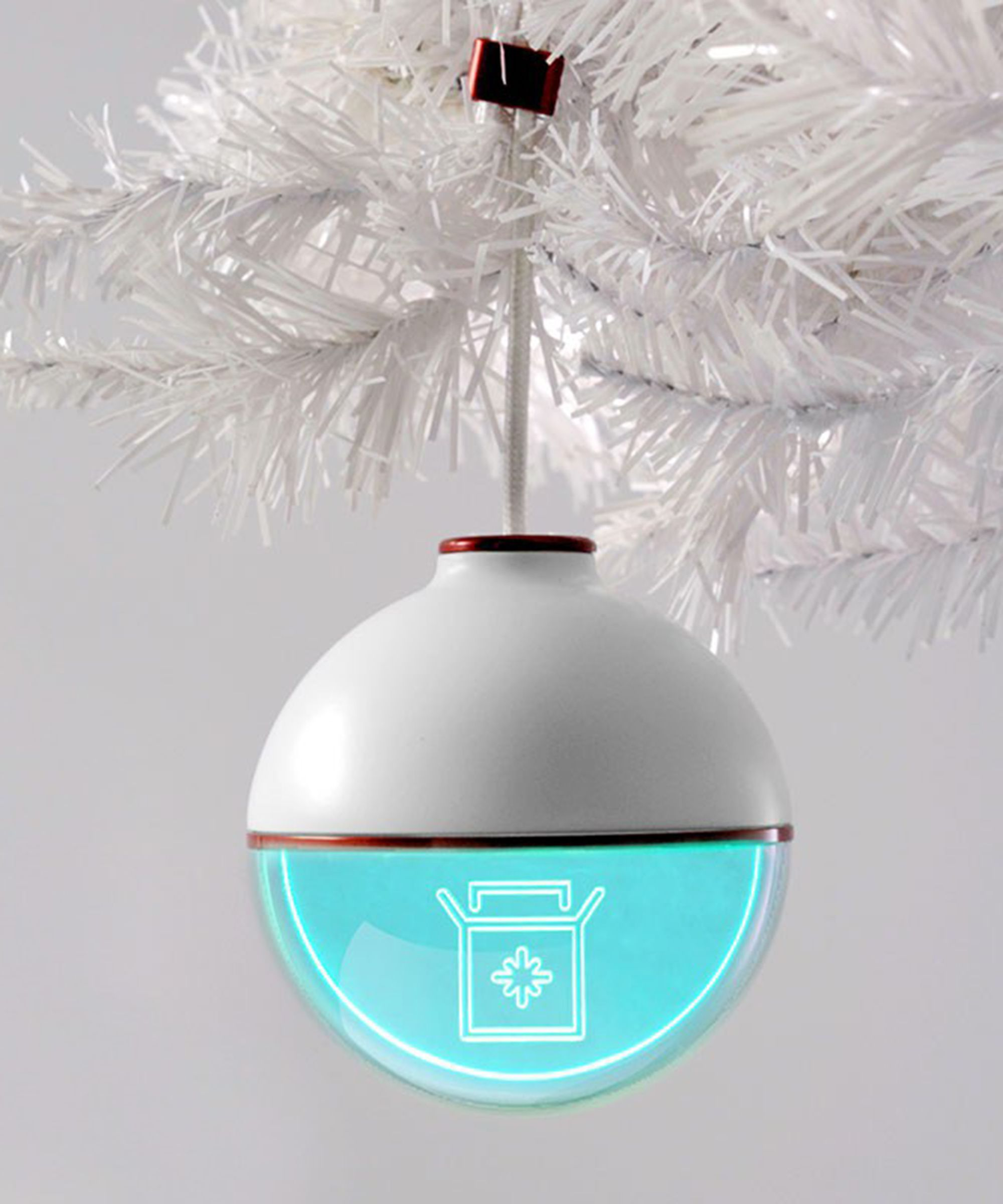 Every Tree Needs This Package-Tracking Ornament #refinery29 http://www.refinery29.com/2016/12/133826/us-postal-service-christmas-tree-package-tracking-ornament