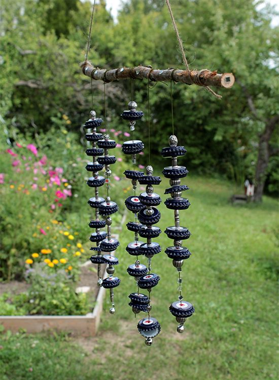 Windspiel basteln aus Kronkorken - Garten Fräulein - Der Garten Blog #gartenupcycling