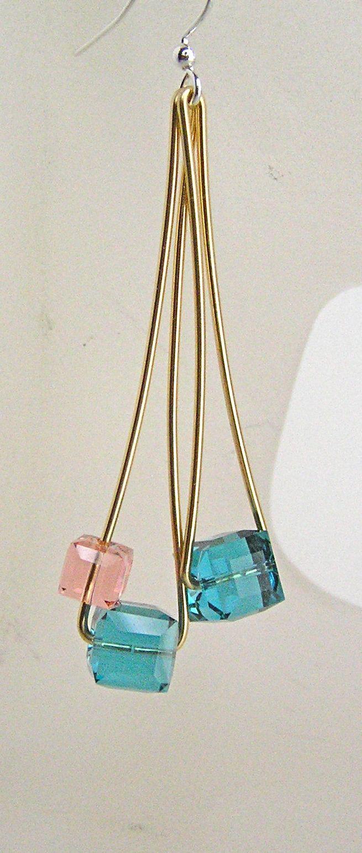 Brincos c/ cubos swarovski- very simple color combination, but very ...