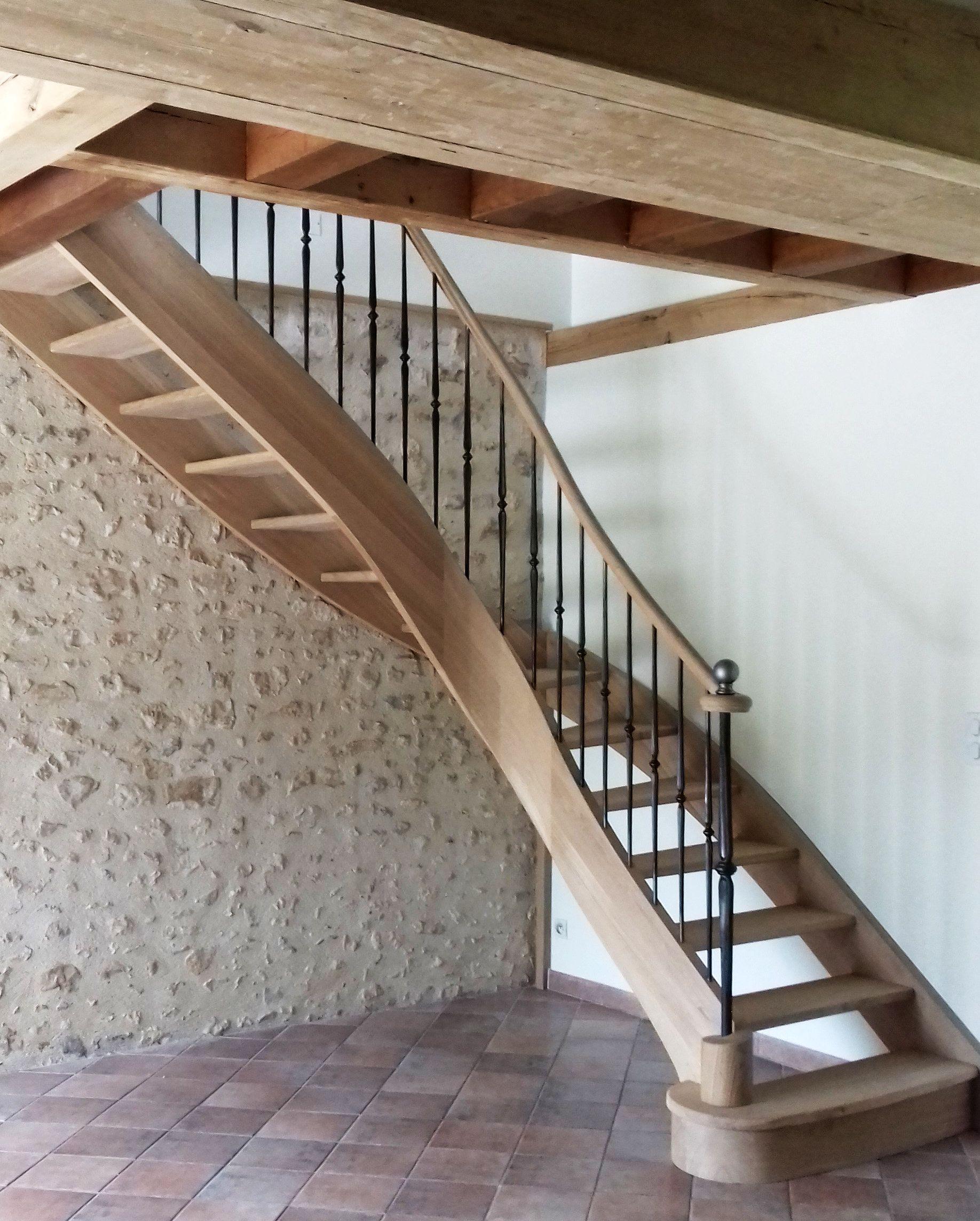 Escalier classique en bois et m tal escalier quart - Escalier debillarde ...